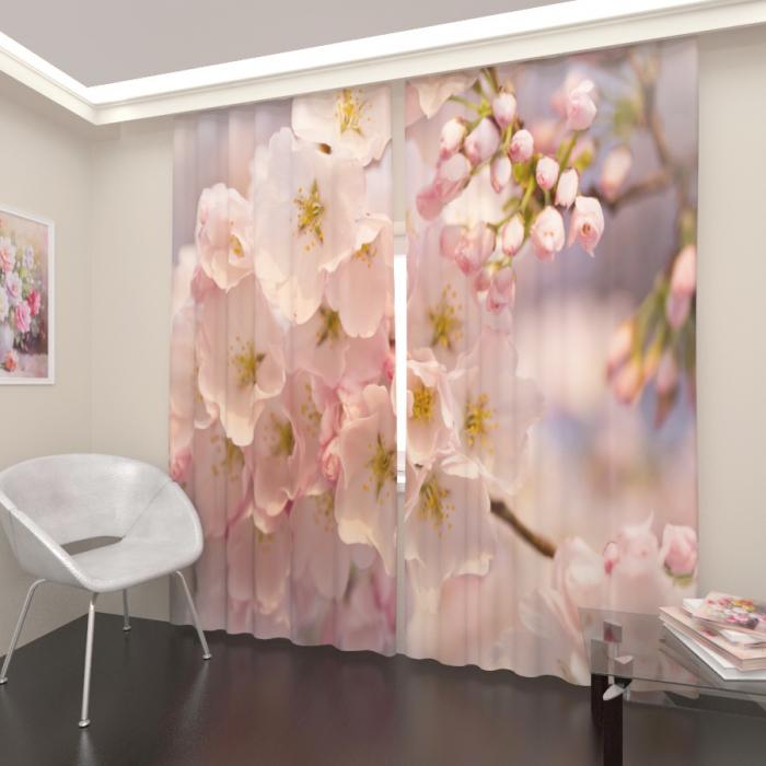 Большая распродажа «Дерево в розовом цвету, Блэкаут»
